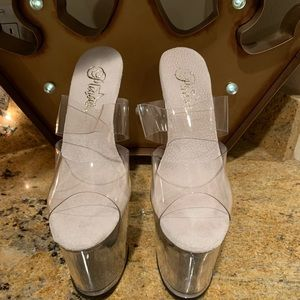 New Pleaser  Heels Size 6